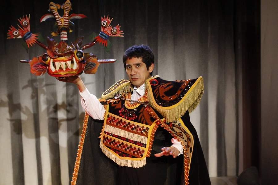 Último llamado: El bululú. Antología endiablada, escrita e interpretada por Osqui Guzmán, se despide del CC 25 de Mayo el próximo domingo 28 de marzo.